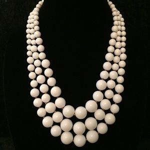 Jewelry - Vintage 3-strand white Beaded Necklace t007